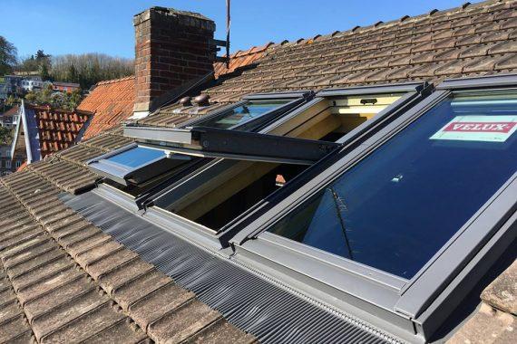 Création fenêtre de toit trio velux arts et toitures
